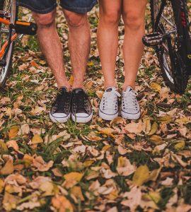 ludzkie-nogi-obik-rowerow